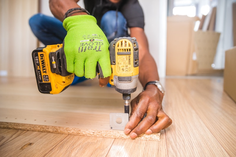 carpenter drilling work